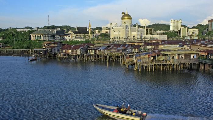 Kiertomatkat - Kaakkois-Aasian neljä maailmaa. Singapore, Malesia, Brunei ja Indonesia - Temaresor