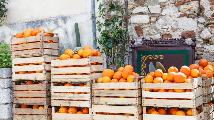 apelsiner på marknad