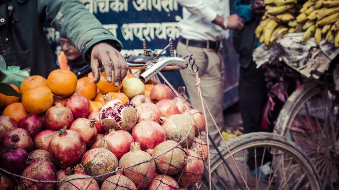 fruit vendor kathmandu