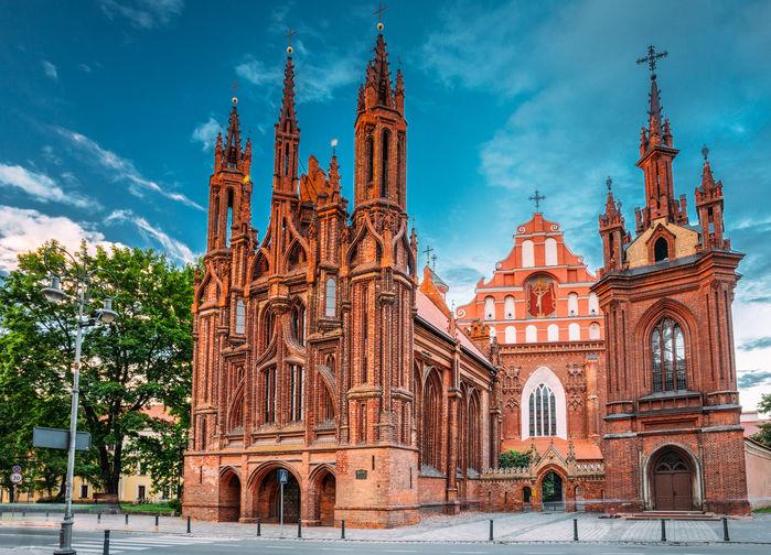 St. Anne kyrka och St Francis och St. Bernard kyrka i Vilnius