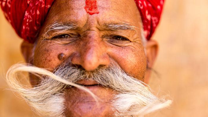 Stolt rajput med mustasch