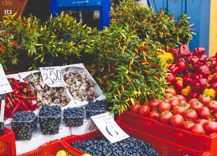 På marknaden i Riga finns massor av gott att handla