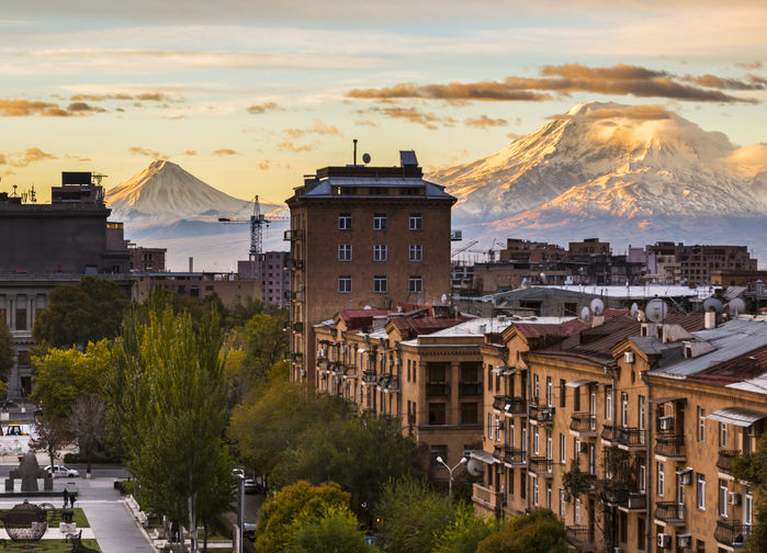 Jerevan med Ararat i bakgrunnen