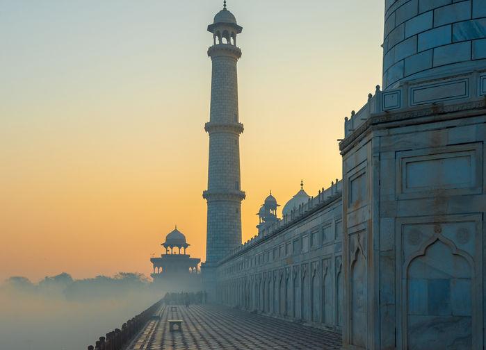 Soluppgång Taj