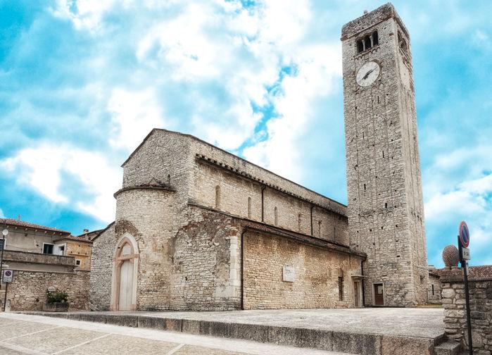 Follina kyrka